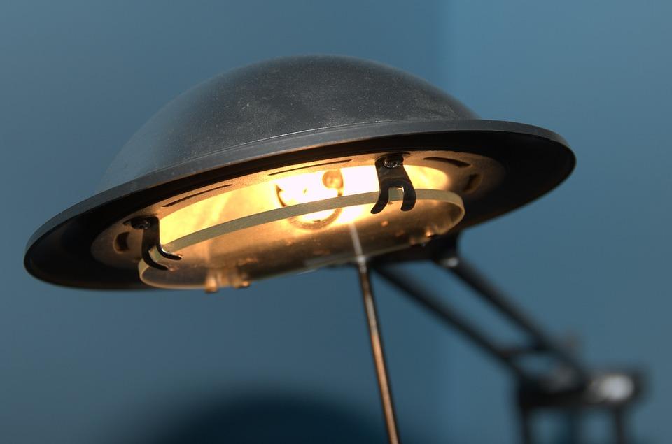 žárovka v lampičce