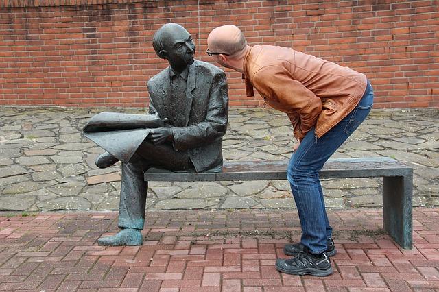 mluvení se sochou