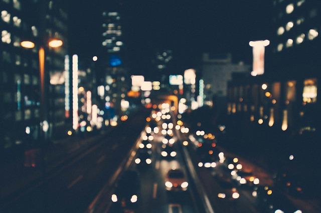 noční provoz ve městě.jpg