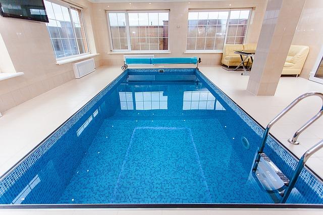 tv u bazénu
