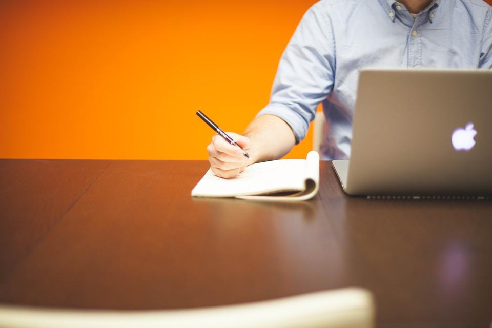 psaní u počítače